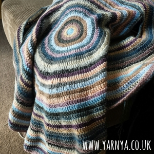 Sunday Sevens (13th September 2015) www.yarnya.co.uk Crochet Circular Blanket