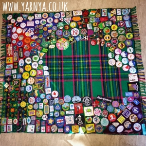 Saturday evening I sat down to do a bit of sewing ... then I went to the shop to buy a few more badges. It's a never-ending cycle.
