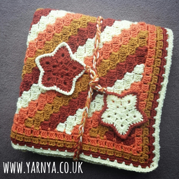 Big Reveal - The Corner to Corner Blanket and one Christmas present COMPLETE!  www.yarnya.co.uk